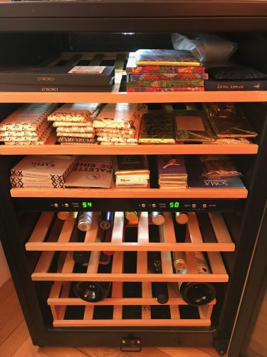Chocolate storage refrigerator
